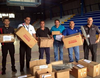 1.400 repuestos nuevos donados a estudiantes de mecánica automotriz