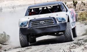 Este es el Toyota Tacoma con el que compiten los Quirós. ( Foto de Jorge Jimenez )