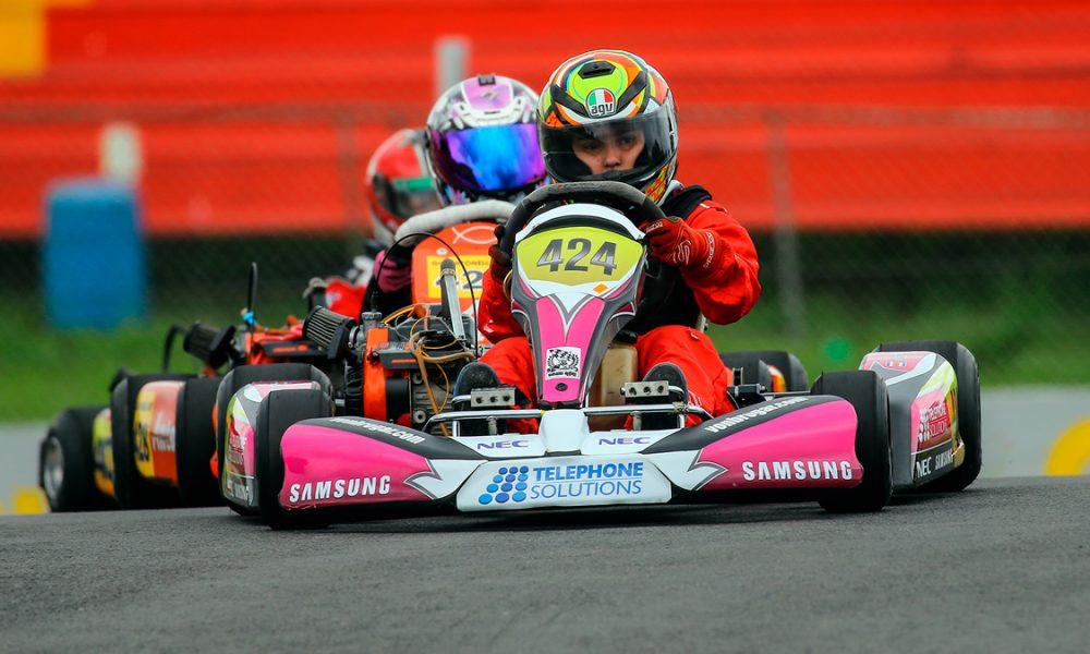 Seis niños podrían ganar beca para competir en kartismo