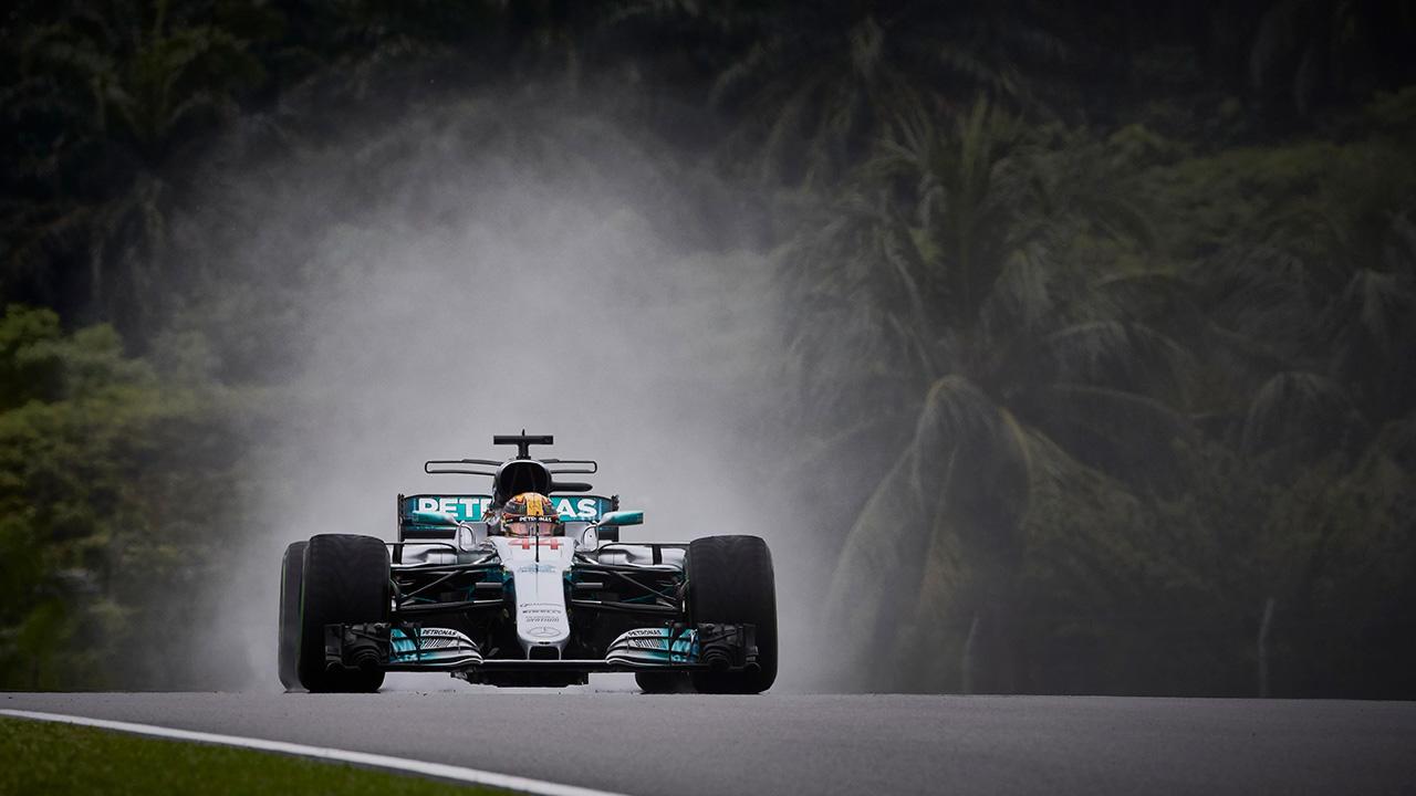 Lewis Hamilton con la pole en el Gran Premio de Malasia