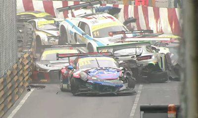 Caos, solo ocho autos terminan en la GT3 FIA GT World Cup