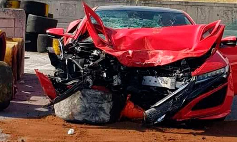 Conductor destruye un Acura NSX en el autódromo de Monterrey