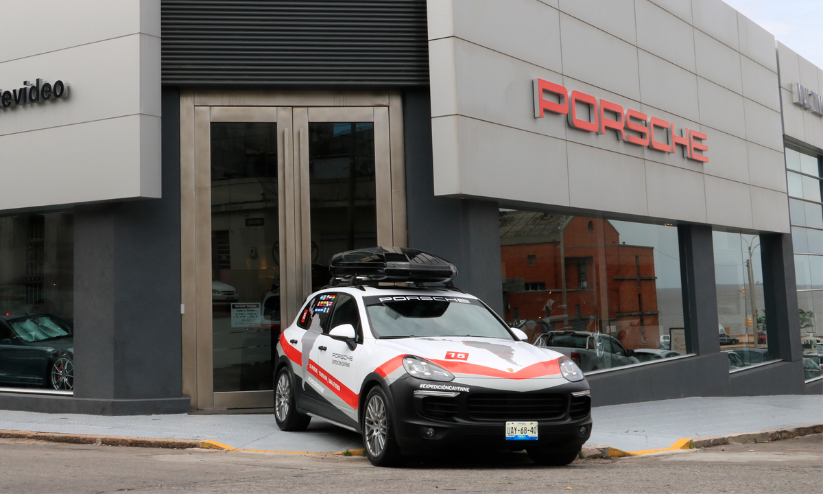 La Expedición Cayenne de Porsche comenzó hoy en Uruguay