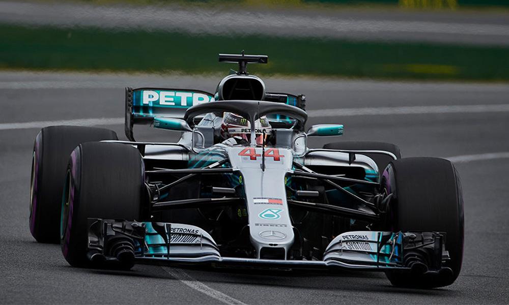 Lewis Hamilton con la primer pole del año en Australia