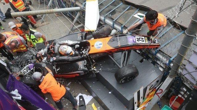 El escalofriante accidente de la alemana Sophia Floersch en la Fórmula 3