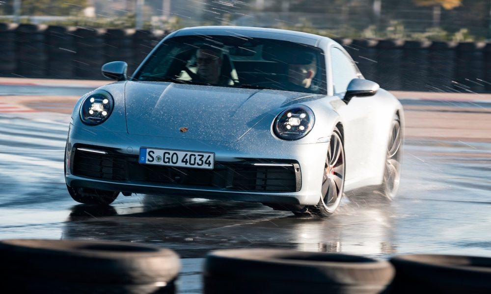 """El nuevo Porsche 911 992 estrena el nuevo modo de manejo """"Wet"""""""