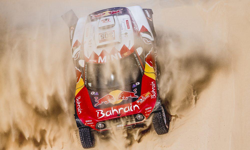 Carlos Sainz más líder tras ganar su cuarta etapa en el Dakar