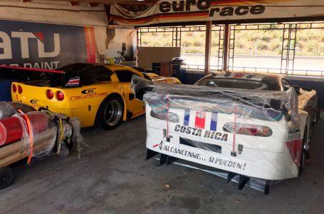 Autos que correrán el GT Challenge ya están instalados en El Jabalí