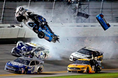 Fuerte accidente en el final de las 500 Millas de Daytona