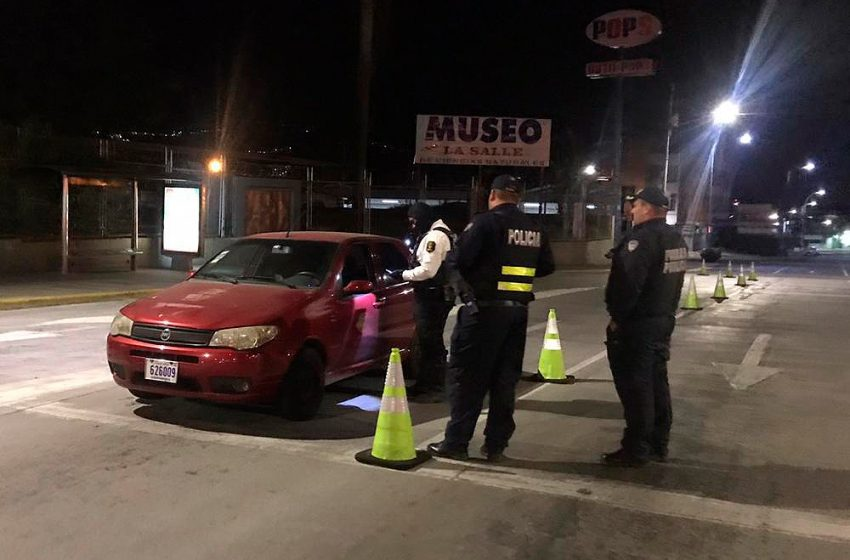 159 conductores infringieron restricción vehicular sanitaria en su primer día