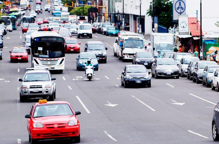 Gobierno amplía restricción vehicular sanitaria  a partir de las 8 p.m. fines de semana