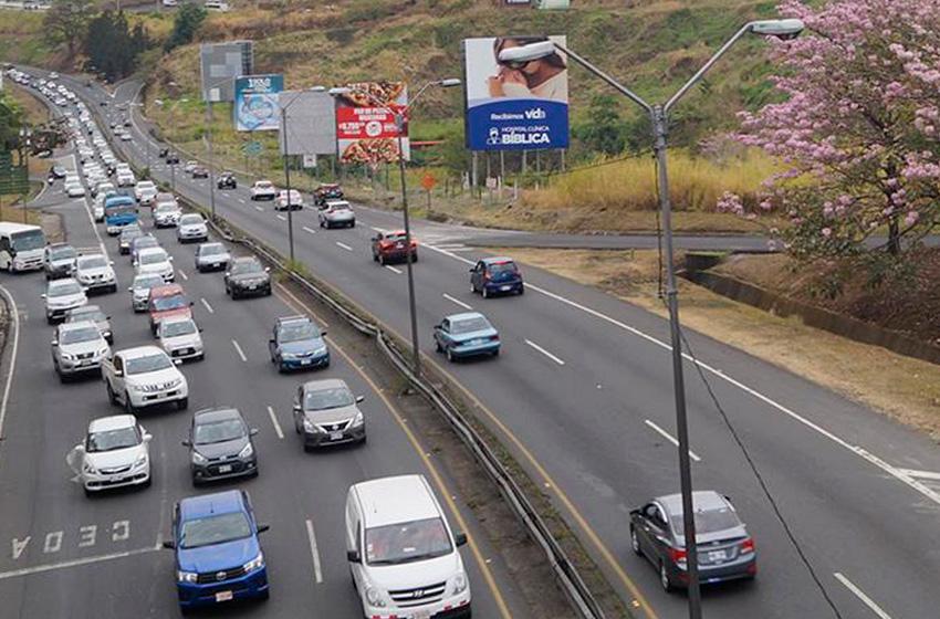Gobierno decreta restricción vehicular sanitaria obligatoria