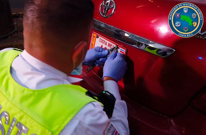 Tránsito multó a 789 conductores por violar restricción vehícular